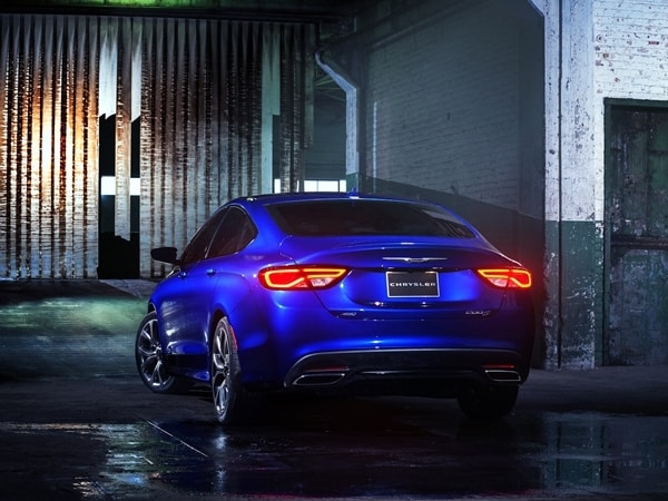 2015 Chrysler 200 revealed in Detroit 14