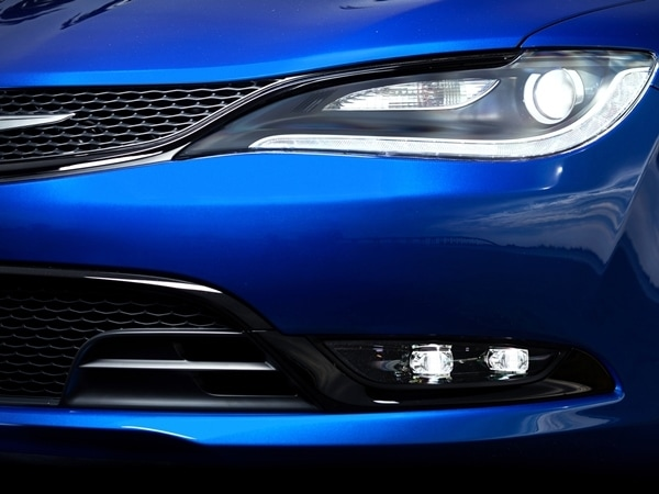 2015 Chrysler 200 revealed in Detroit 23