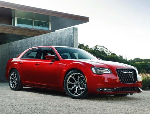 2015 chrysler 300 makes an even bolder statement kelley. Black Bedroom Furniture Sets. Home Design Ideas