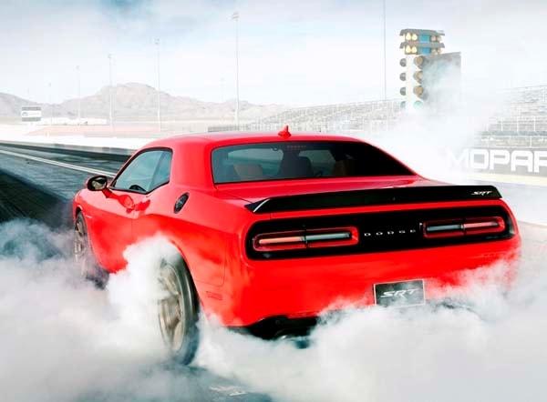2015 Dodge Challenger SRT Hellcat: 707 official horsepower ...