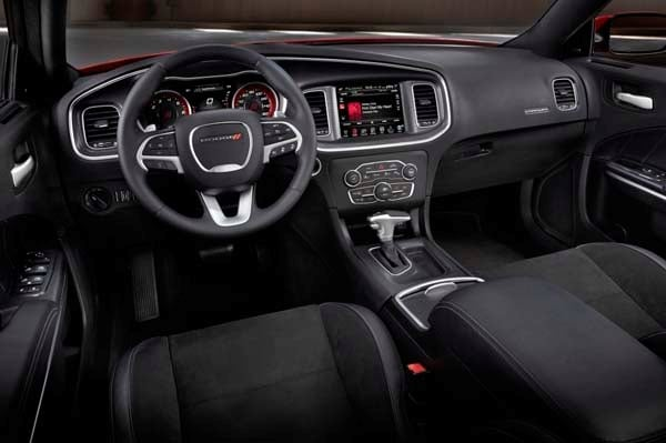 2015 Dodge Charger Opens At 28 990 Kelley Blue Book