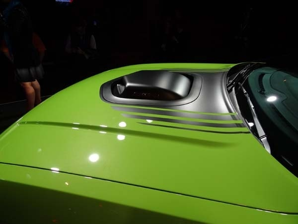 2015 Dodge Challenger: Retro Packaging, Current Technology 4