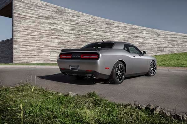 2015 Dodge Challenger: Retro Packaging, Current Technology 18
