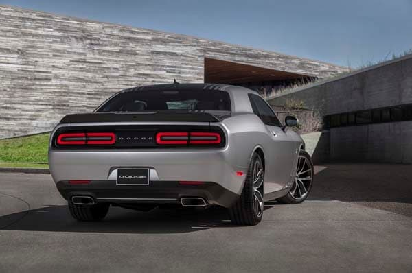2015 Dodge Challenger: Retro Packaging, Current Technology 19