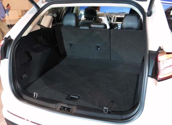 Ford Edge Trunk Space >> 2015 Ford Edge unveiled -- upping its game on every level - Kelley Blue Book
