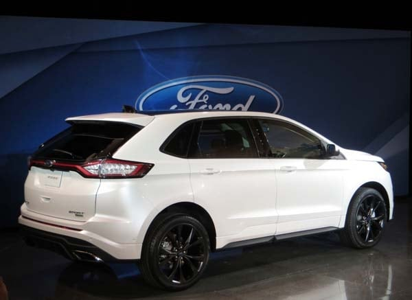 2015 ford edge unveiled upping its game on every level kelley blue book. Black Bedroom Furniture Sets. Home Design Ideas