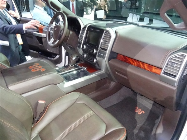 2015 ford f 150 debuts in detroit brings a 27 liter ecoboost and atlas styling cues with it kelley blue book - 2015 Ford F 150 King Ranch Tailgate
