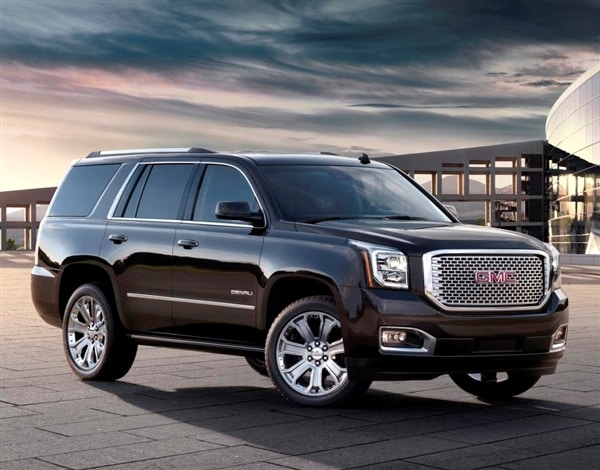 The 2017 Gmc Yukon And Longer Wheelbase Xl Benefit From A Full Makeover As Do Their Even More Upscale Denali Siblings