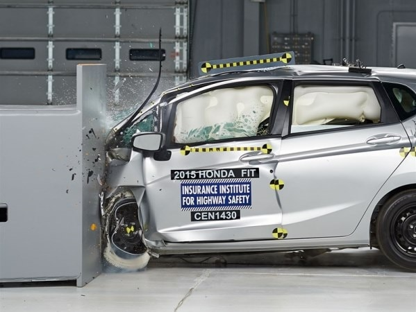Honda fit crash test iihs for Iihs honda crv