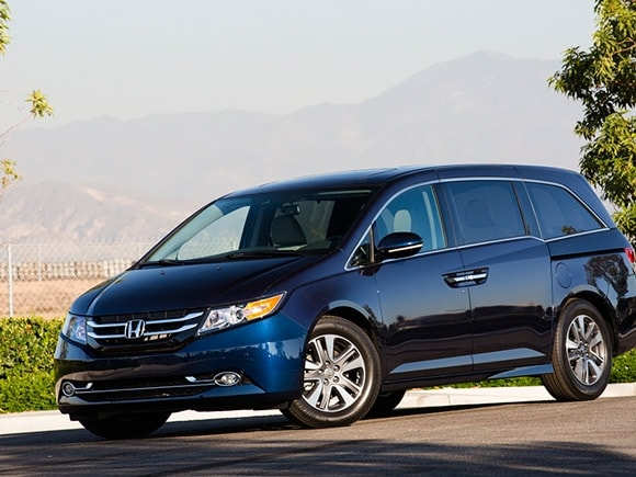 15 best family cars 2015 honda odyssey kelley blue book. Black Bedroom Furniture Sets. Home Design Ideas