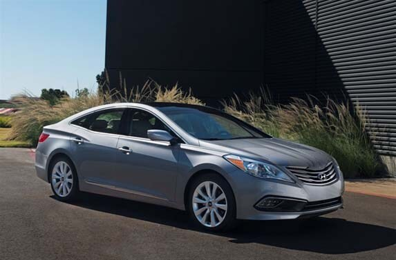 With All The Attention And Ad Money Focused On Redesigned Hyundai Sonata Genesis 2017 Azera Limited Sedan Flies Under Radar In Korean