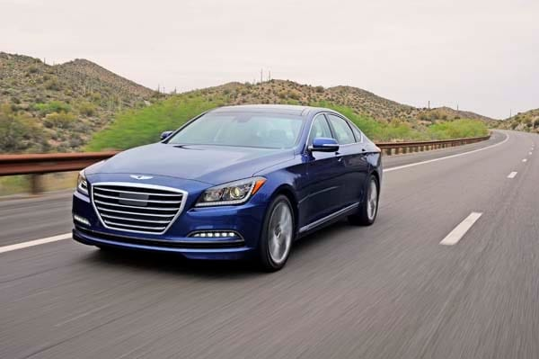 2015 Hyundai Genesis First Review: The Cool Lux Alternative