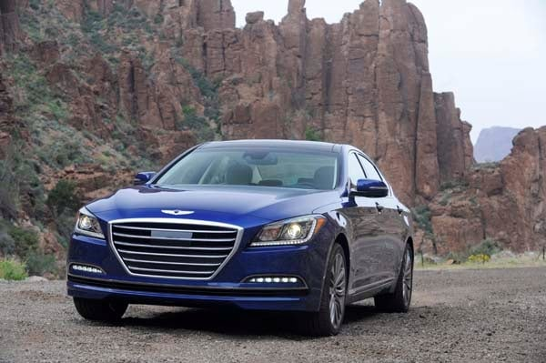 2015 Hyundai Genesis First Review: The Cool Lux Alternative 7