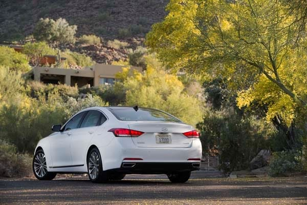 2015 Hyundai Genesis First Review: The Cool Lux Alternative 16