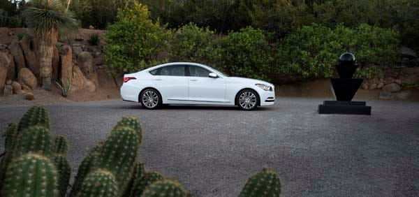 2015 Hyundai Genesis First Review: The Cool Lux Alternative 18