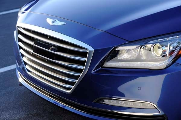 2015 Hyundai Genesis First Review: The Cool Lux Alternative 20