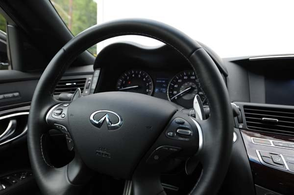 2015 Infiniti Q70 and Q70L First Review 23