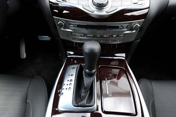 2015 Infiniti Q70 and Q70L First Review 25