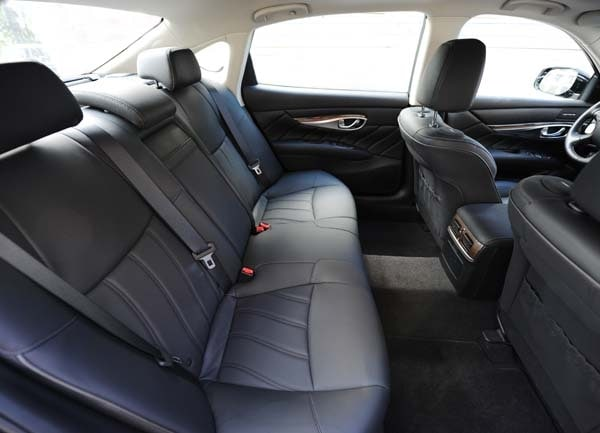 2015 Infiniti Q70 and Q70L First Review 30