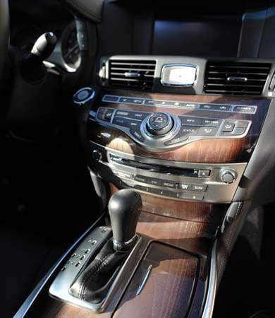 2015 Infiniti Q70 and Q70L First Review 26