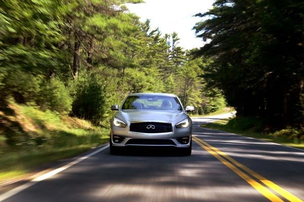 2015 Infiniti Q70 and Q70L First Review 13