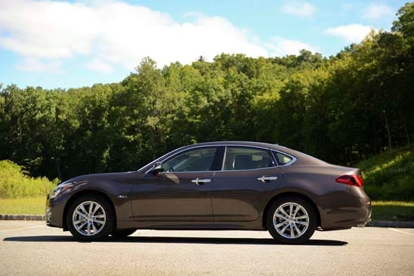 2015 Infiniti Q70 and Q70L First Review 18