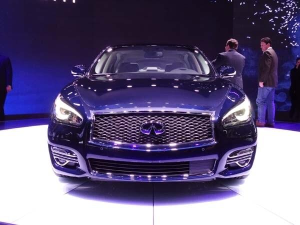 2015 Infiniti Q70L goes even longer on luxury 2