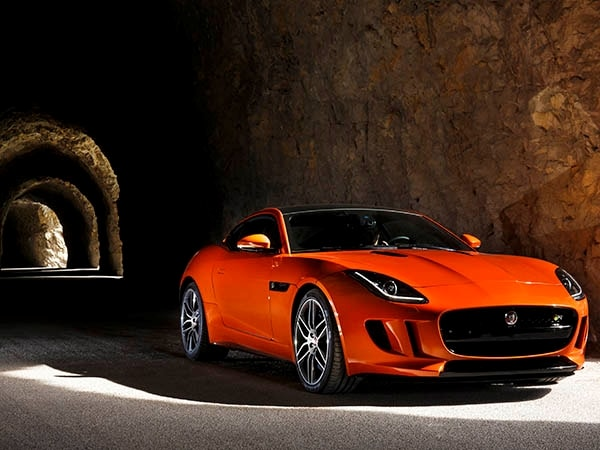 2015 Jaguar F-Type Coupe First Review 5