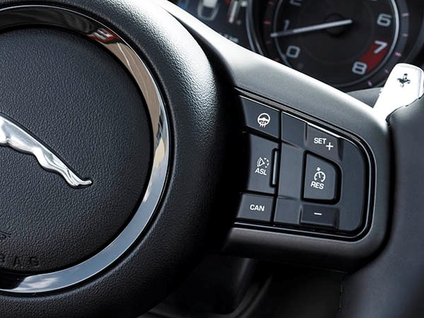 2015 Jaguar F-Type Coupe First Review 27
