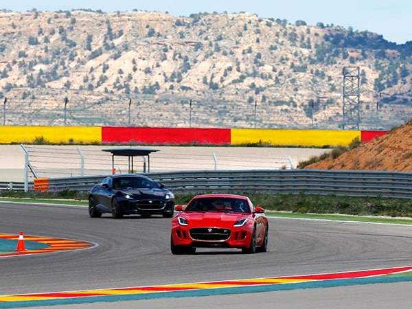 2015 Jaguar F-Type Coupe First Review 11