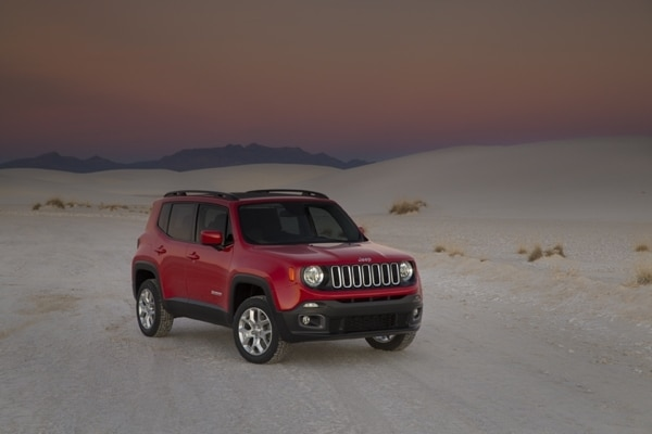 2015 jeep renegade first review little yet big deal kelley blue book. Black Bedroom Furniture Sets. Home Design Ideas