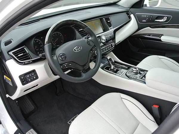 2015 Kia K900 First Drive: Taking a Giant Leap 14