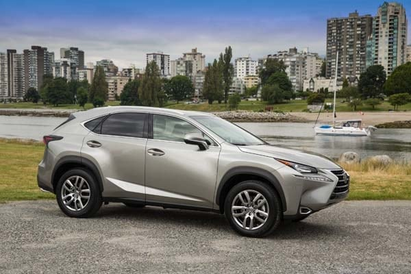 2015 Lexus NX First Review: Mission Probable 22