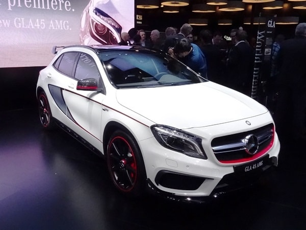 2015 mercedes benz gla45 amg debuts in detroit