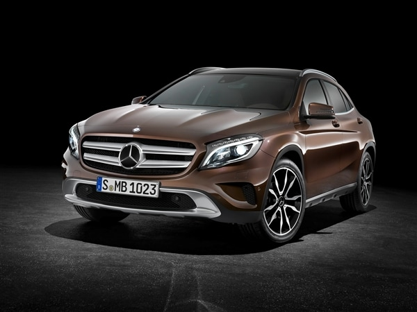 2015 mercedes benz gla class unveiled kelley blue book for Mercedes benz gla 2015 price