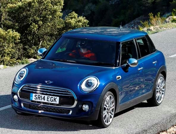 2015 Mini Hardtop 4-door: A stretch in size and appeal 9