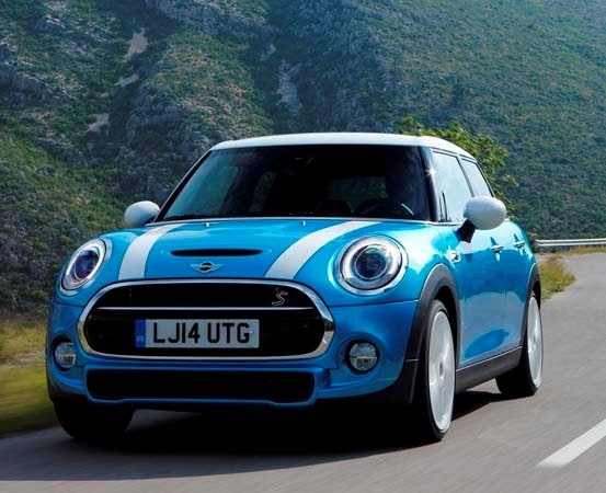 2015 Mini Hardtop 4-door: A stretch in size and appeal 2