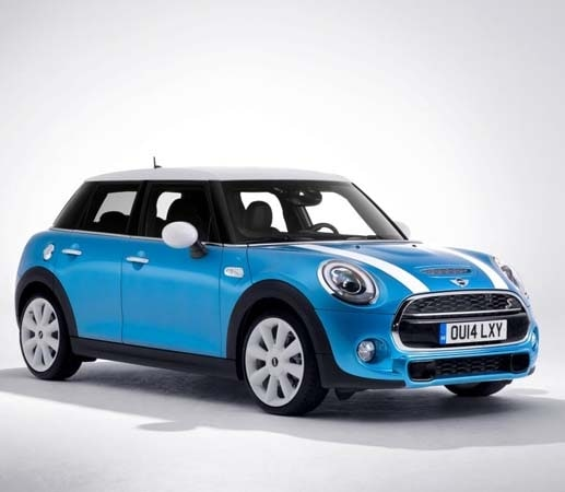 2015 mini hardtop 4 door a stretch in size and appeal kelley blue book. Black Bedroom Furniture Sets. Home Design Ideas