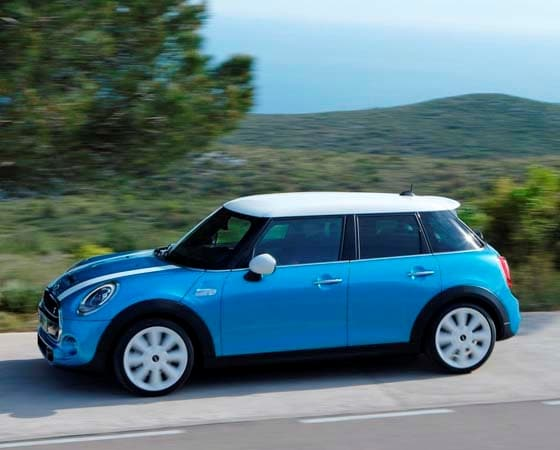2015 Mini Hardtop 4-door: A stretch in size and appeal 5