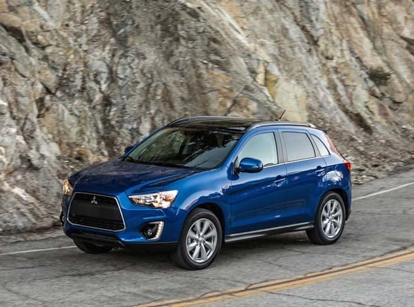 2015 Mitsubishi Outlander Sport adds 2.4 ES and 2.4 GT models - Kelley Blue Book