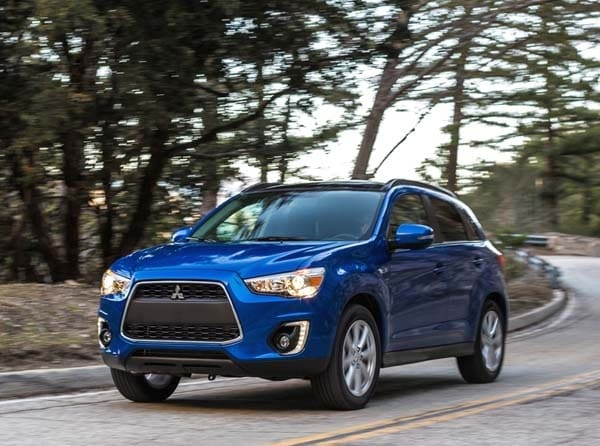 2015 mitsubishi outlander sport adds 2 4 es and 2 4 gt models kelley blue book. Black Bedroom Furniture Sets. Home Design Ideas