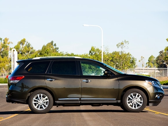 15 Best Family Cars 2015 Nissan Pathfinder Kelley Blue Book