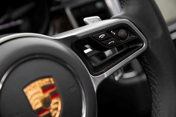 2015 Porsche Macan First Drive: A Hatchback SUV Worthy of the Porsche Crest 48