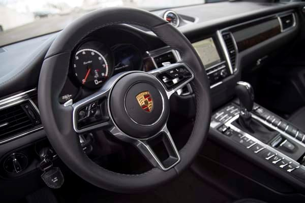 2015 Porsche Macan First Drive: A Hatchback SUV Worthy of the Porsche Crest 47