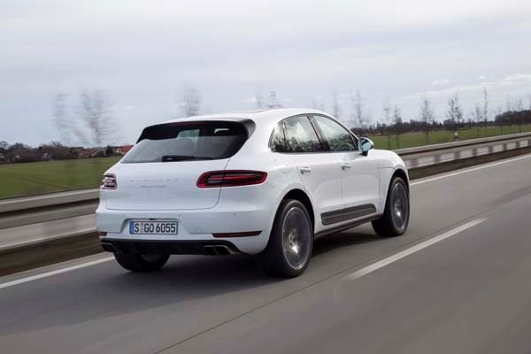 2015 Porsche Macan First Drive: A Hatchback SUV Worthy of the Porsche Crest 12