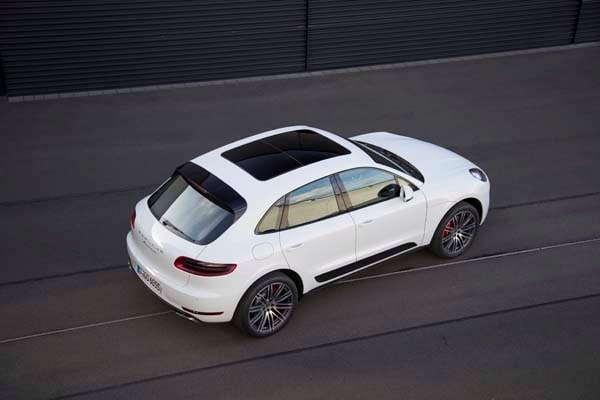 2015 Porsche Macan First Drive: A Hatchback SUV Worthy of the Porsche Crest 13