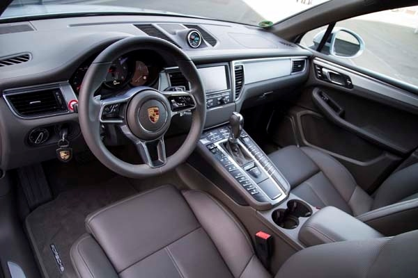 2015 Porsche Macan First Drive: A Hatchback SUV Worthy of the Porsche Crest 46