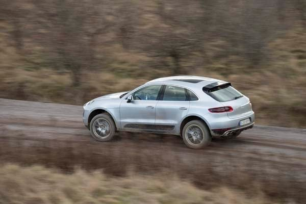2015 Porsche Macan First Drive: A Hatchback SUV Worthy of the Porsche Crest 3