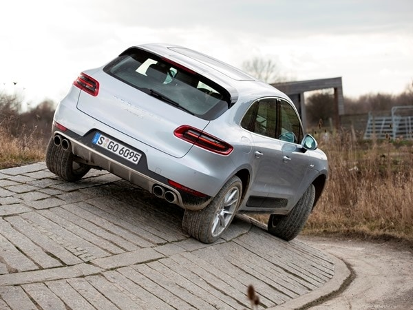 2015 Porsche Macan First Drive: A Hatchback SUV Worthy of the Porsche Crest 6
