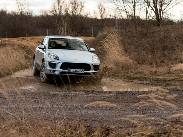 2015 Porsche Macan First Drive: A Hatchback SUV Worthy of the Porsche Crest 9